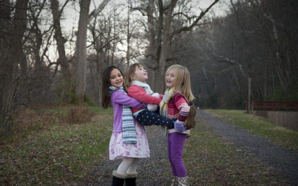 Monimuotoiset perheet varhaiskasvatuksessa – Opas varhaiskasvattajille
